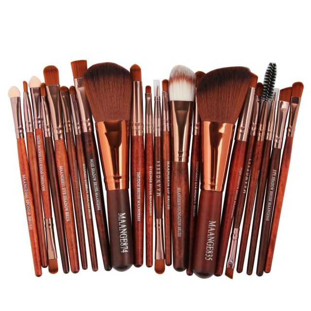 Set of 22 Makeup Brushes with Synthetic Hair